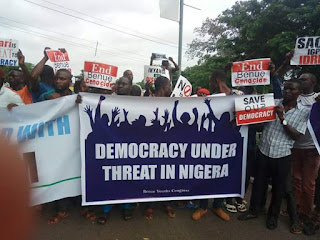 BREAKING: Youths shut down Benue over 'police brutality', call Akume a traitor
