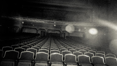 8 fantasmas que ainda hoje assombram os Teatros