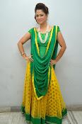 Shilpa chakravarthy sizzling photos-thumbnail-16