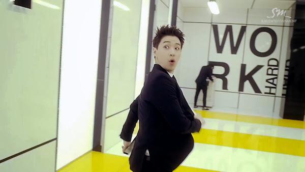 Super Junior-M Swing Henry