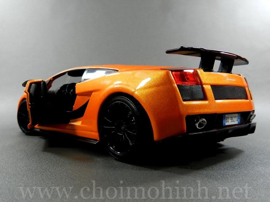 Lamborghini Gallardo Superleggera 1:18 Maisto back