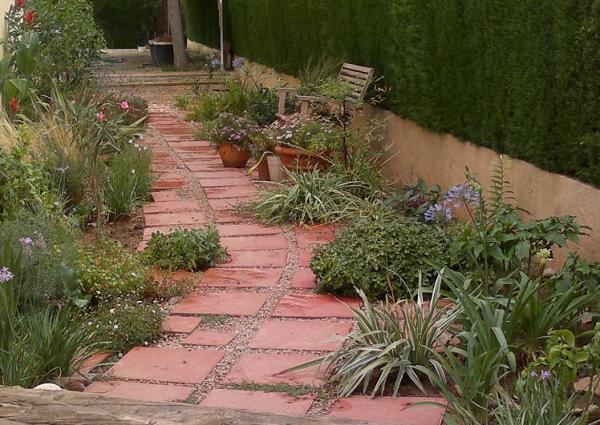 Consulta dise o de un jard n lateral largo y estrecho - Diseno de un jardin ...