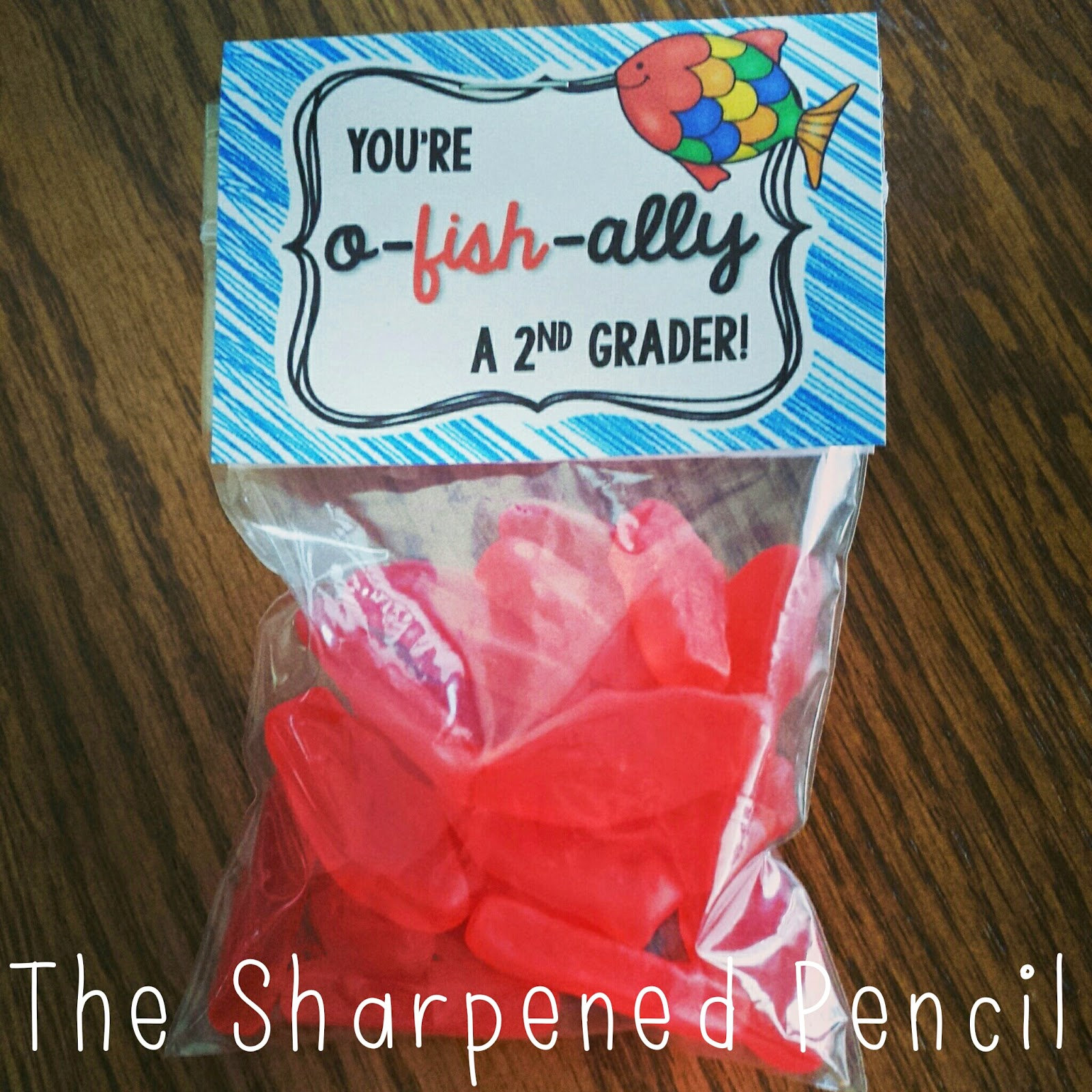 http://www.teacherspayteachers.com/Product/Back-to-School-Treat-Toppers-Goldfish-or-Swedish-Fish-1368463