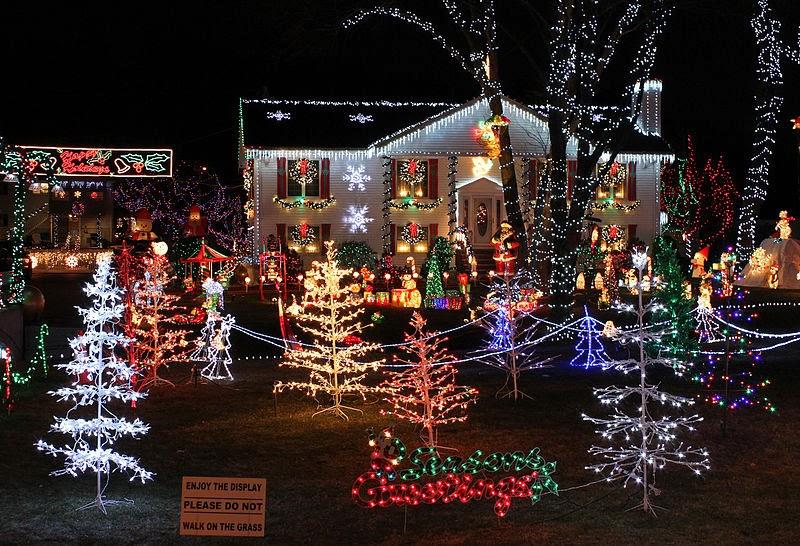 Matt Wixon: Humor Me: The nightmare of '80s Christmas decorating ...