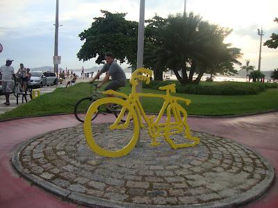 Escultura dos jardins da orla de Santos - SP