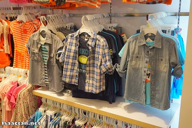 More choices were found on the other hangers in KidStyle Gurney Paragon Mall