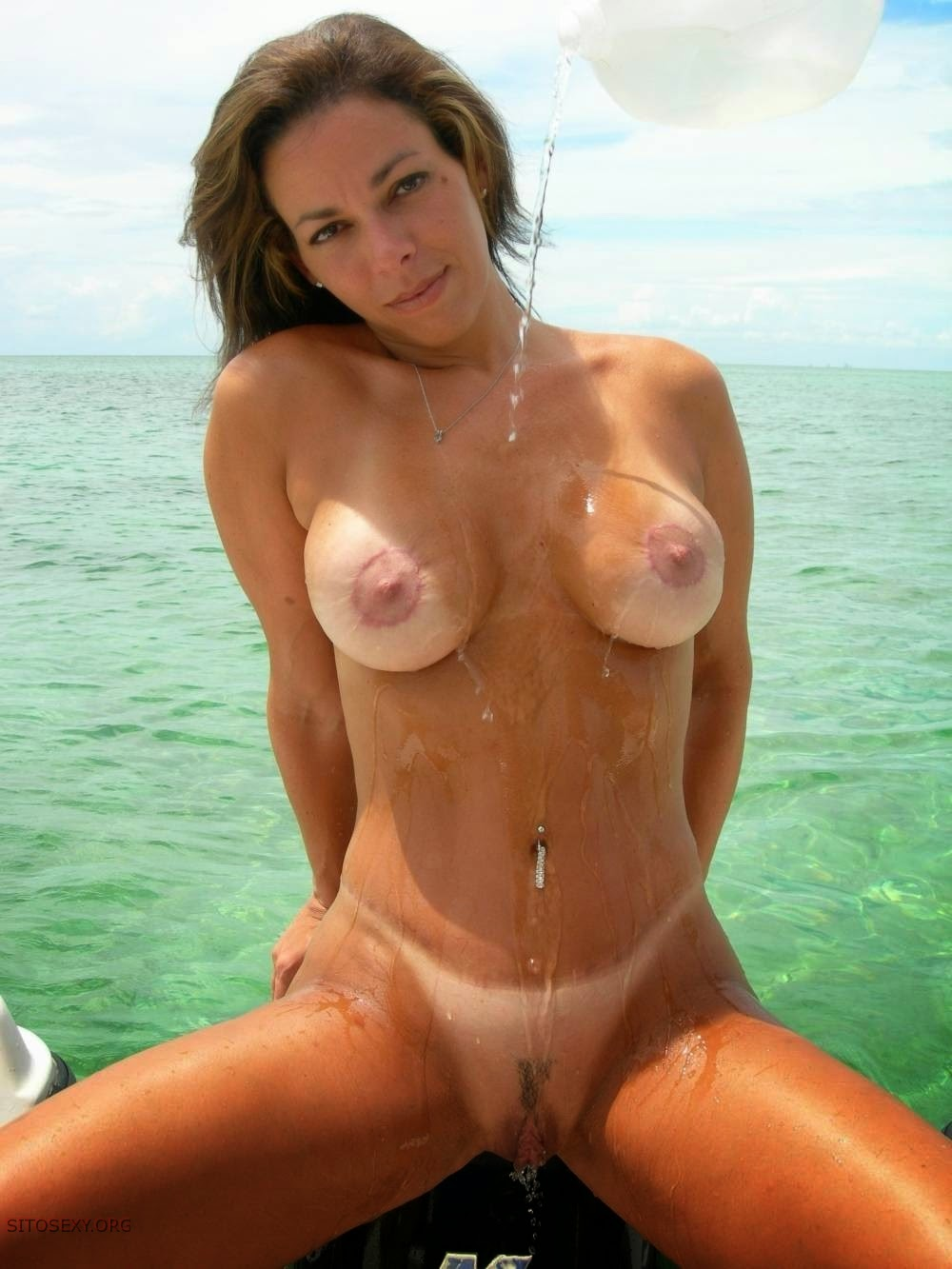 Excited too Foto Sexy done mature nude nel mare can