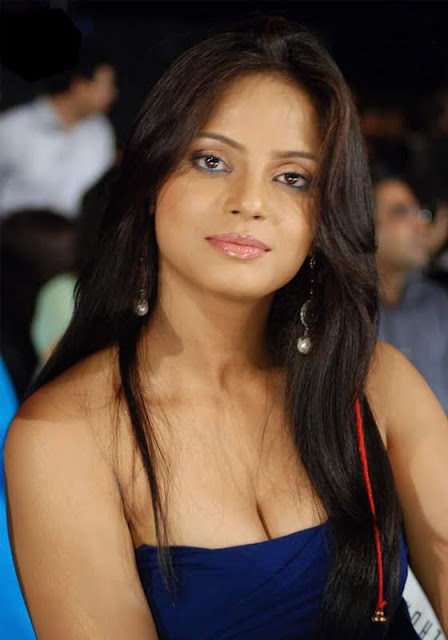 http://2.bp.blogspot.com/-5dRn1jIovKU/Ta_YSsmKIYI/AAAAAAAAHno/5RS_eOD2ztg/s1600/neetu_chandra_hot_stills_blue_dress_2-0023_Indian%2BMasala_01indianmasala.blogspot.com.jpg