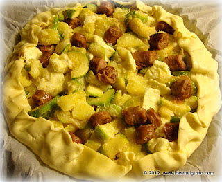 Torta salata con zucchine,patate e salsiccia