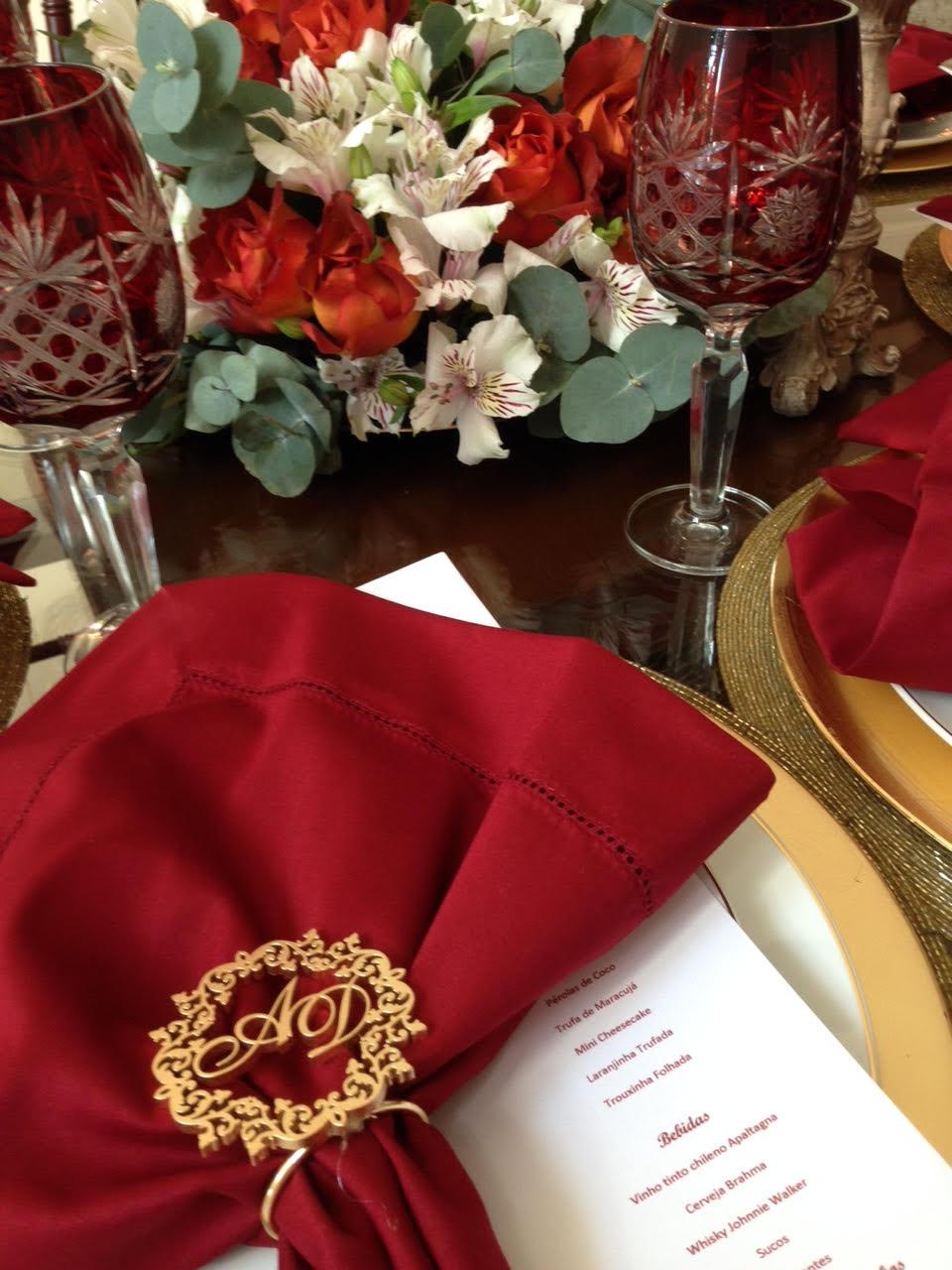 DECORAÇÃO MARSALA para um jantar de padrinhos - Clique na foto