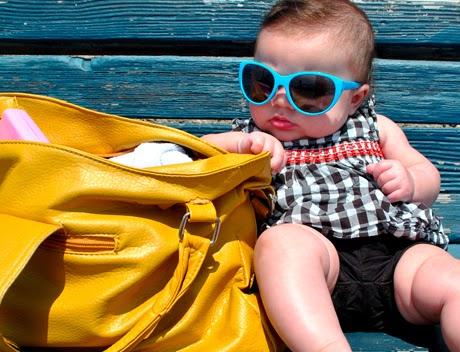 Foto keren ganteng anak kecil memakai kacamat