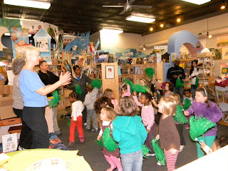 Photo of Bookstore Story/Movement Time!