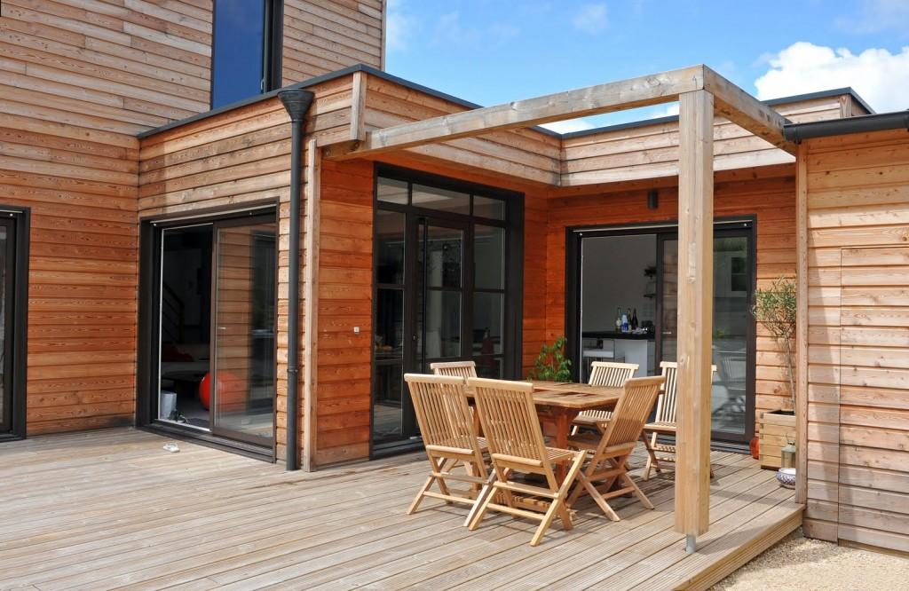Activit s des el ves de la mfr de chaingy mbc les maisons en bois reviennent en force - Piscine couverte maison orleans ...