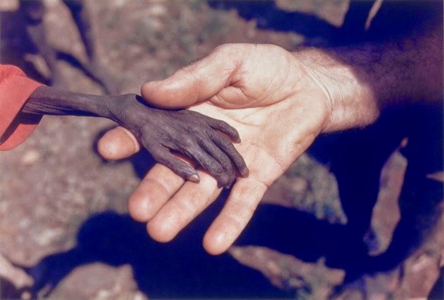 http://www.liataja.com/2014/09/foto-foto-kemanusiaan-paling-menyentuh.html