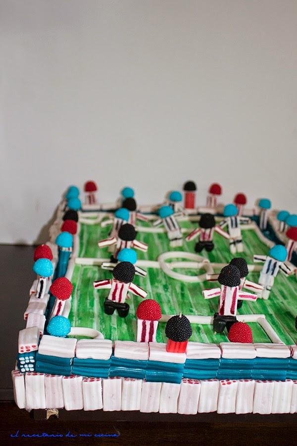 tarta de chuches campo de futbol