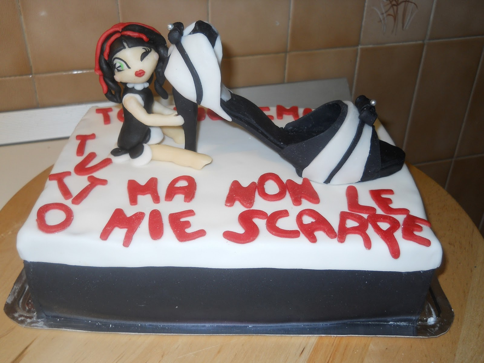 Torta Scarpa Gucci , Gucci Shoe Cake