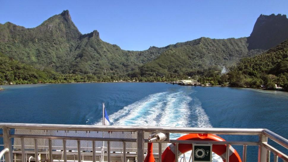 Départ de ferry à Moorea