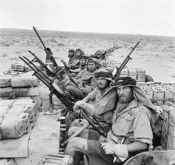 WW2-Special Air Service troops pictured in the North African desert