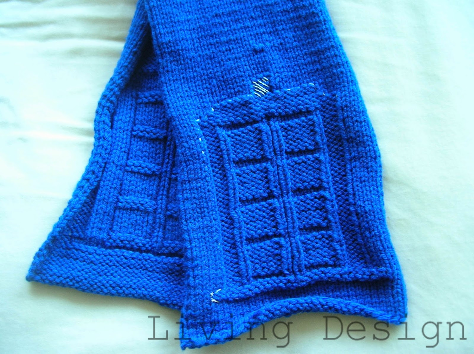 Living Design: TARDIS Scarf - Handmade Holiday Gifts