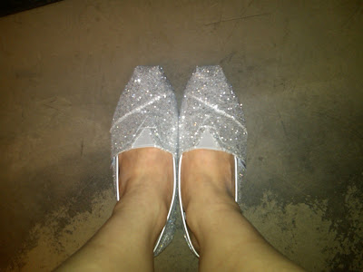 TOMS, TOMS Silver Women's Glitters, TOMS shoes, shoes, fashion