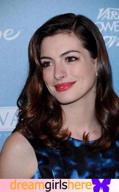 Anne Hathaway American Preety Host Anne+Hathaway-+3
