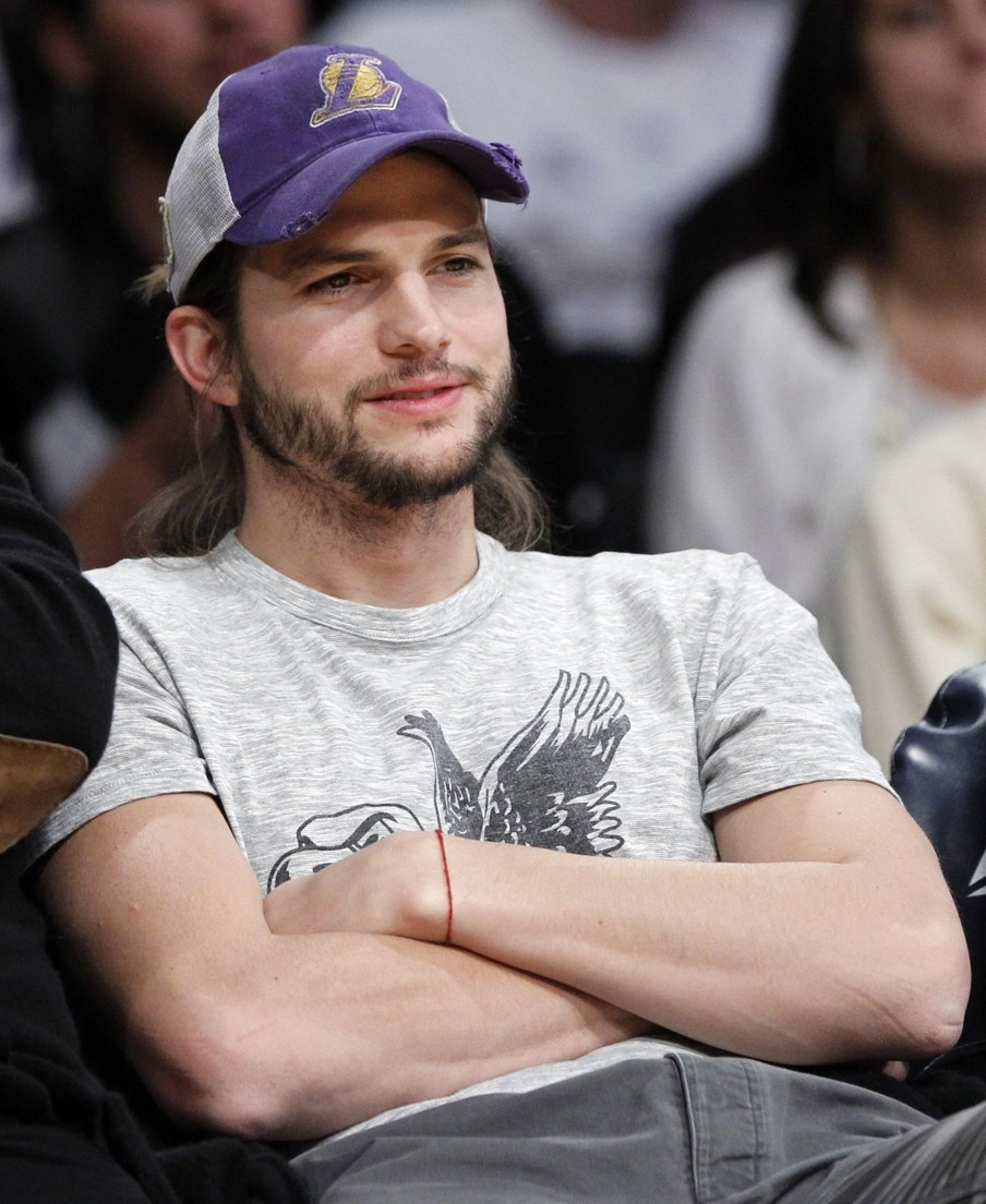 Hollywood stars ashton kutcher profile pictures and wallpapers