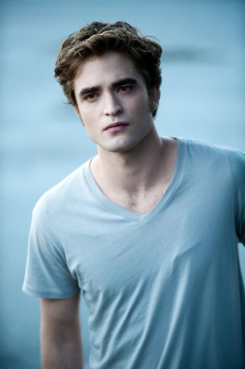 ROBERT PATTINSON ----------------------------- Robert Douglas Thomas Pattinson