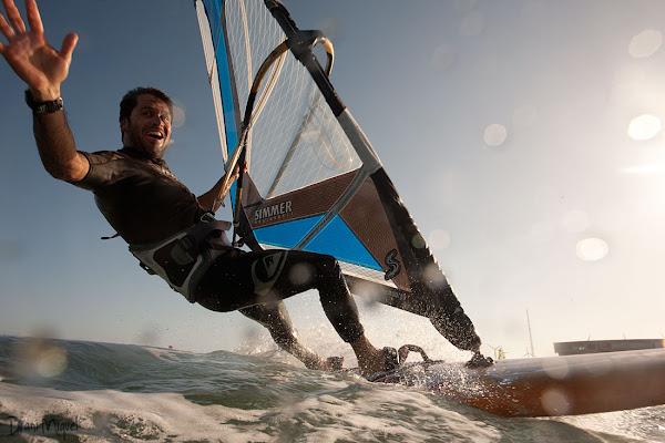 Fernando Leon windsurfing