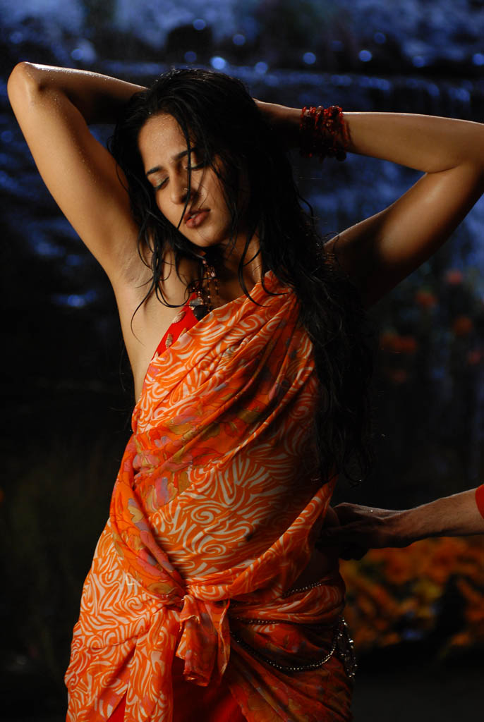anushka saree hottest navels of indian people