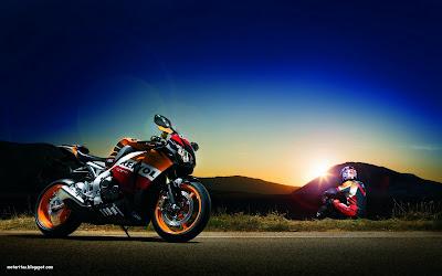 babe-biker-pistera honda-cbr1000rr-deportiva-wallpaper