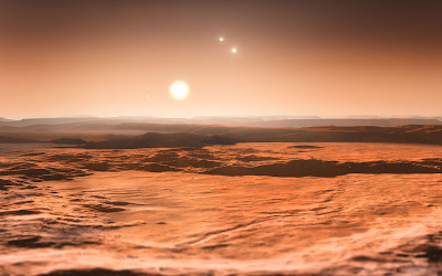 Científicos del Observatorio Austral Europeo (ESO) han descubierto el primer sistema planetario integrado por tres planetas en los que podría haber agua líquida, lo que les convierte en posibles candidatos para la presencia de vida. Según informó hoy este instituto desde su sede central en Garching (Alemania), las observaciones realizadas con el instrumento HARPS -instalado en el telescopio de 3,6 metros que el ESO tiene en Chile- revelan la existencia de un total de seis planetas que orbitan en torno a la estrella Gliese 667C, ampliamente estudiada y parte de un sistema estelar triple conocido como Gliese 667. Gliese 667C