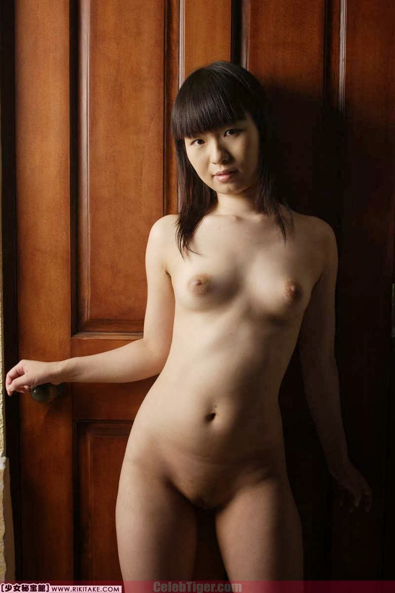 white girls naked squirting