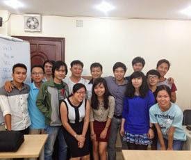 Hoc vien tham gia khoa hoc seo website tai DGM