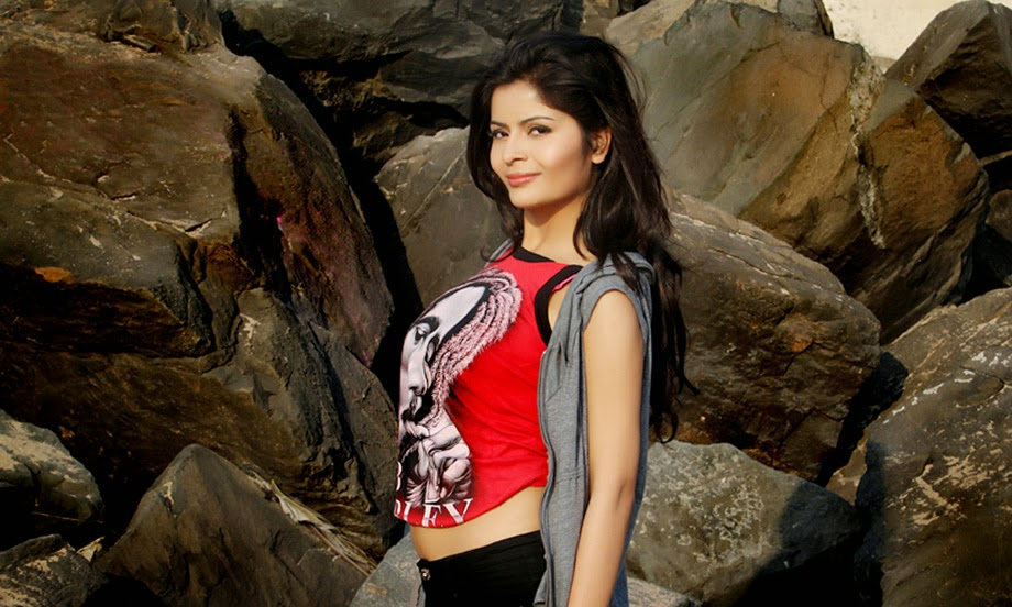 Gehana Vasisth Glamorous Photo Session-HQ-Photo-17