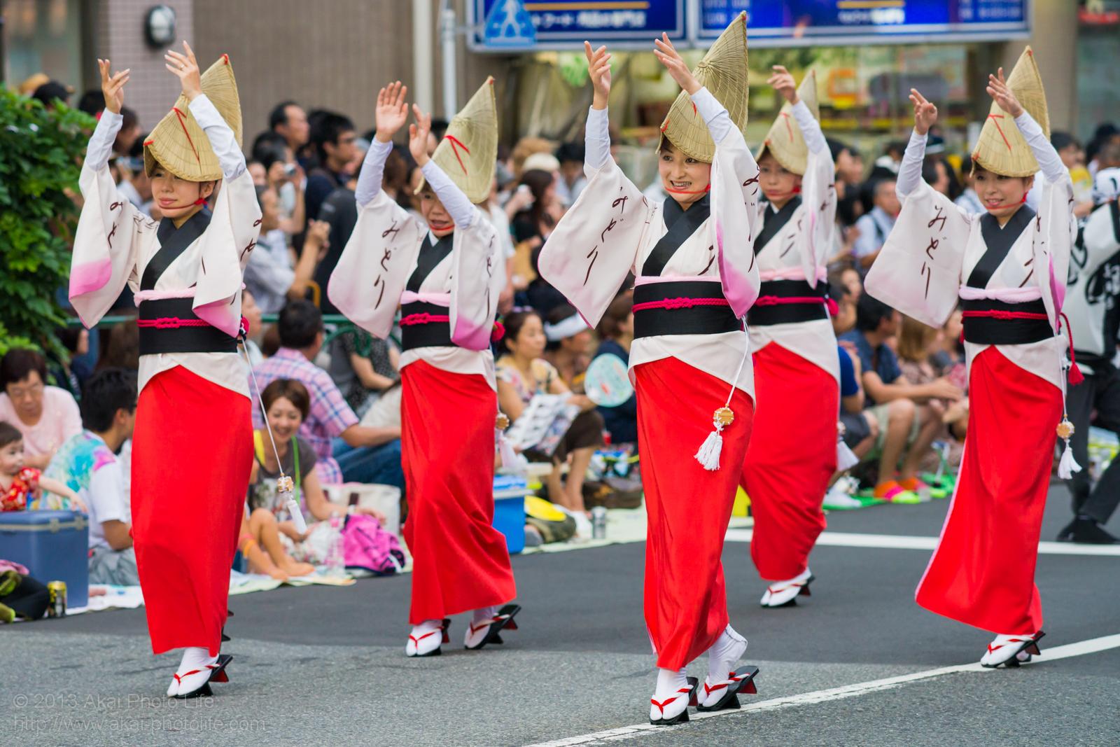 高円寺阿波踊り 美踊連の女踊り