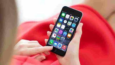 """على الرغم من أن التطبيقات للتواصل الإجتماعي ك """"واتسآب"""" و""""فيسبوك ماسنجر"""" باتت هي المسيطرة على حياتنا عوضا من الطرق التقليدية من اجل إرسال الرسائل النصية إلا أنه وفي معظم الأوقات قد نحتاج إلى هذه الرسائل الا ان المشكلة الأكبر هي أن نتذكر إرسالها في الوقت المحدد."""