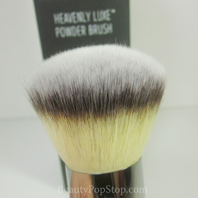 It Cosmetics Heavly Luxe Powder cruelty-free Brush Review