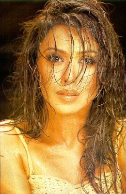 Hrishita Bhatt hot photo