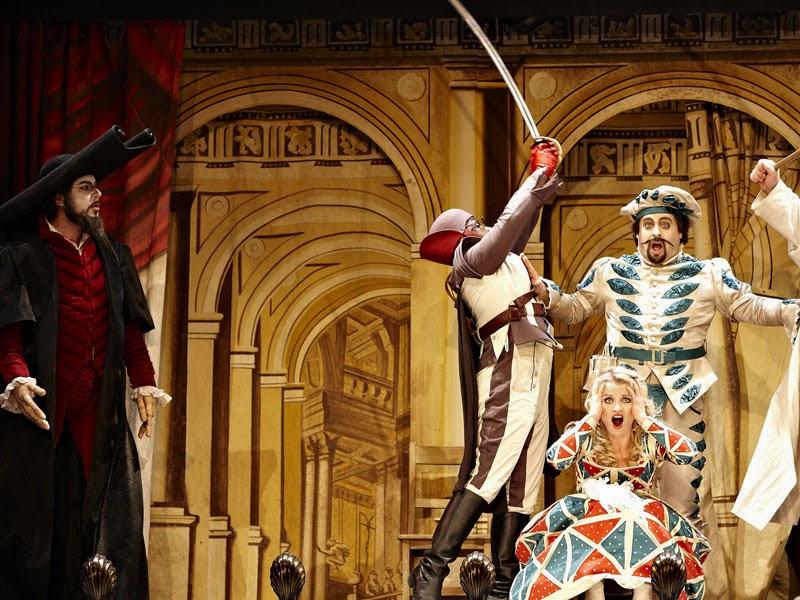 האופרה הספר מסביליה בנומבבר ודצמבר 2014