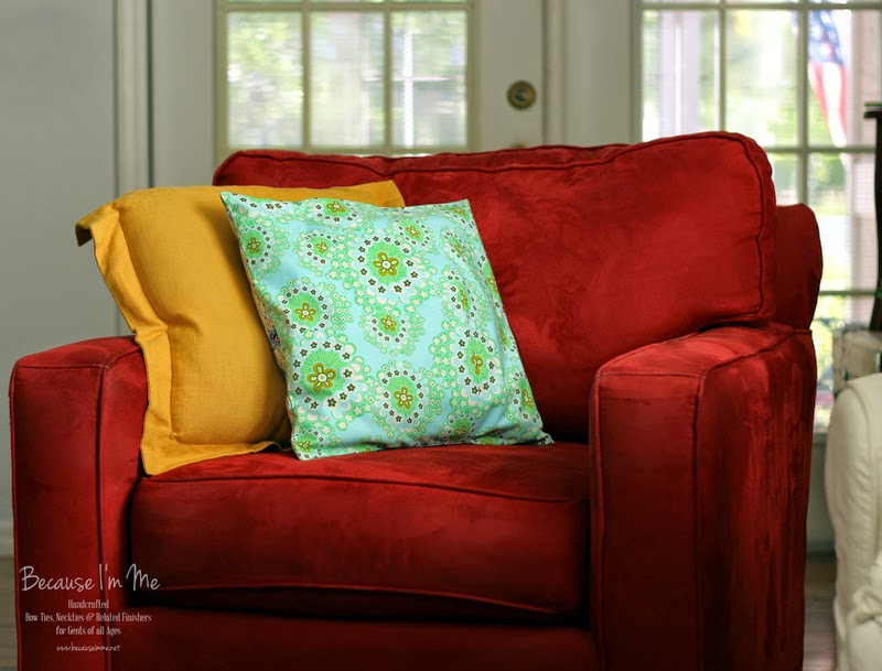 Because I'm Me wonderful bench update, new throw pillow backside, using Amy Butler cotton prints