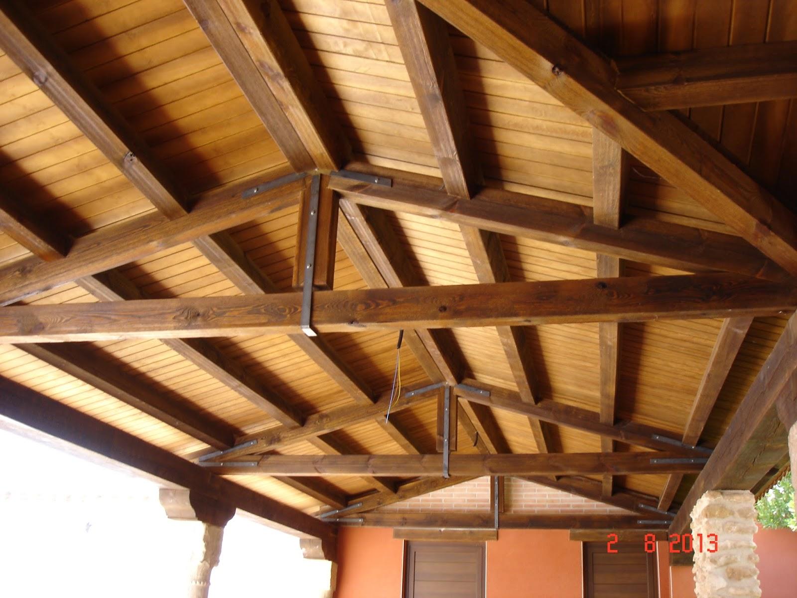 Carpinteria sevilla porche con tiseras for Carpinteria en madera