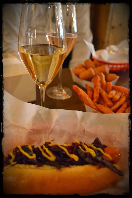 Bubbledogs London Hot Dog & Champagne Les Bons Viveurs- luxury blogs