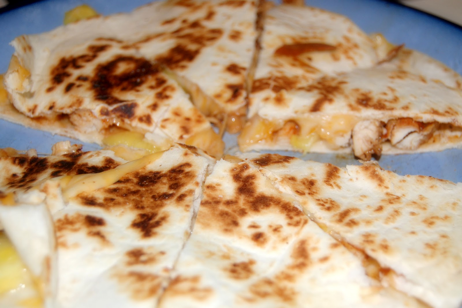 Home Cooking Mama: Grilled Pineapple & Chicken Quesadilla