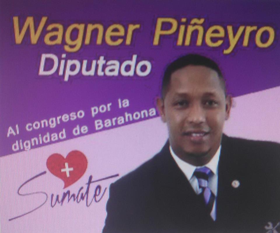 Wagner Piñeyro siempre con su gente..