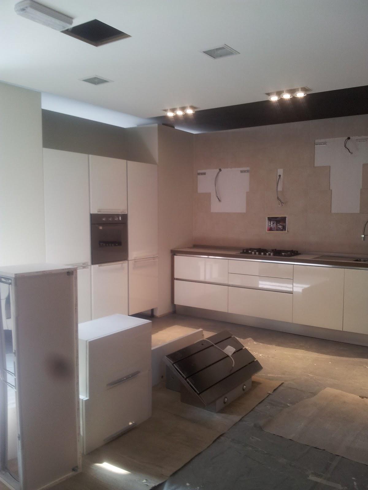 Veneta cucine milano lissone sar bellissimo il nuovo centro veneta cucine di domus arredi - La casa della cameretta lissone ...