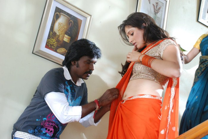 Lawrence-Lakshmi-Rai-Kollywood-film-Tollywood-movie-Kanchana