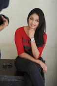 Hari Priya dazzling stills-thumbnail-18