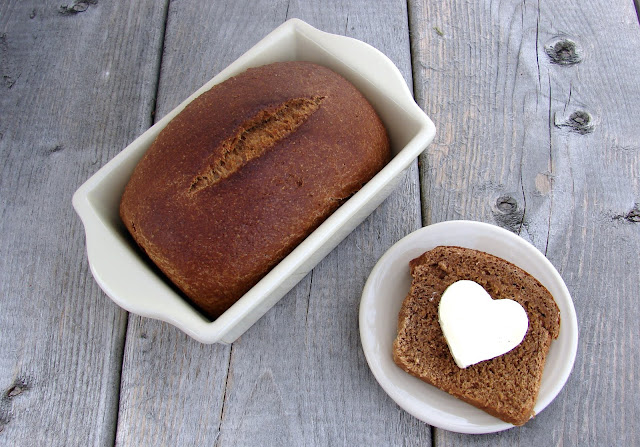 Black Bread from @katrinaskitchen