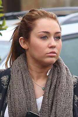MILEY CYRUS' FAT FACE