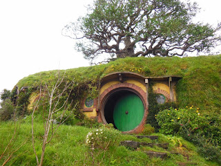 chris mag tour du monde hobbiton a matamata. Black Bedroom Furniture Sets. Home Design Ideas